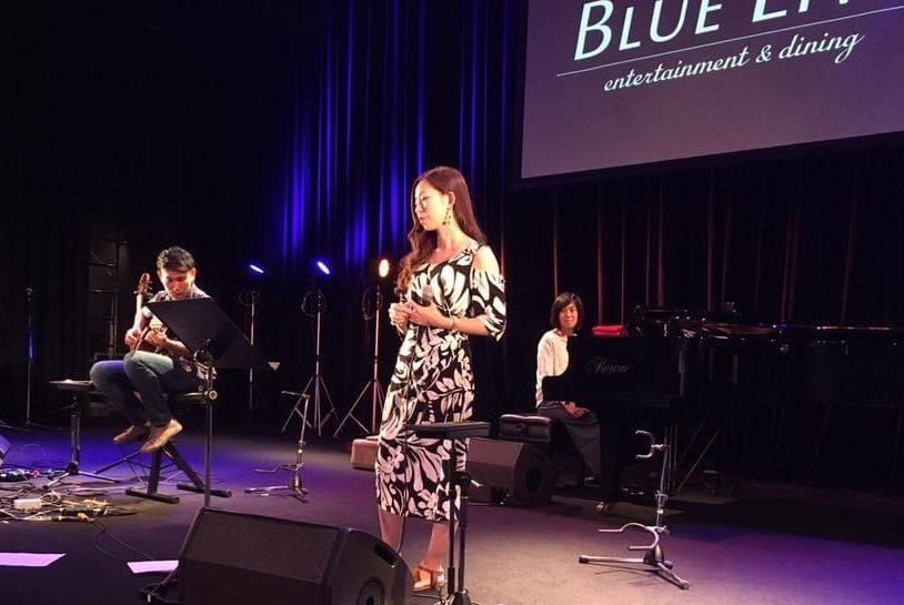かくばりゆきえ(角張由紀恵)鼻歌で世界平和を祈るボランティアHumming for PEACE(ハミングフォーピース)という歌うボランティア活動を考案した歌手・ボイストレーナー